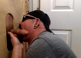 Construction Worker gets Gloryhole Head