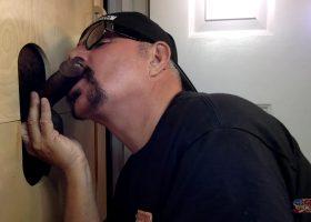 Dark Meat Sucking At The Gloryhole