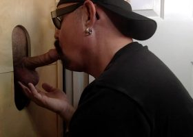 Repeat Guest For a Gloryhole Dick Sucking