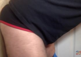 Mechanic Gets Blown At The Gloryhole