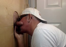 New Guy Gets Blown Away At the Gloryhole