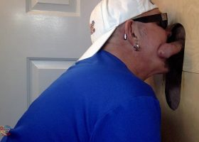 Married Guy Needs To Seed At The Gloryhole