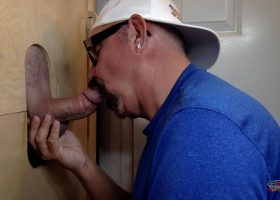 Gloryhole Afternoon Dick Servicing