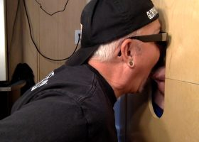Latino Gets Head At The Gloryhole