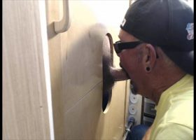 Fan Gets Sucked Off At My Gloryhole